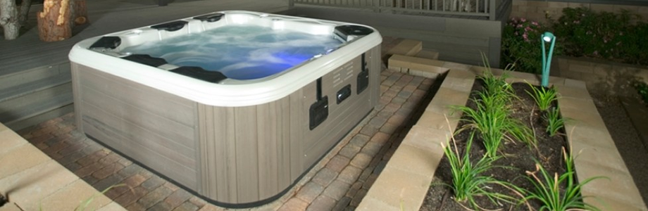 Nice outdoor hot tub in use